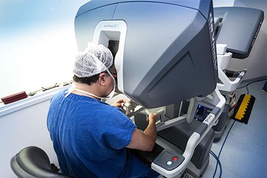 Pesquisa e capacitação voltadas ao tratamento do câncer